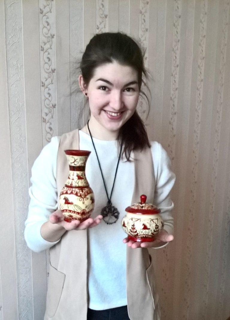 Корсуновы Лариса Сергеевна и Татьяна Николаевна (мезенская роспись «Lari»)