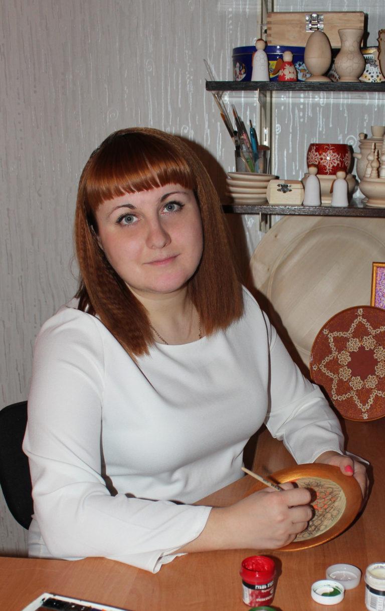 Виноградова Антонина Сергеевна (Авторская роспись по дереву «Тумановская»)